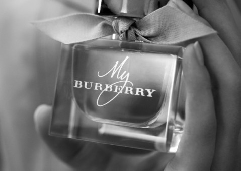 1409650637_2014_MYBURBERRY_BTS_SHOT_01-590x417