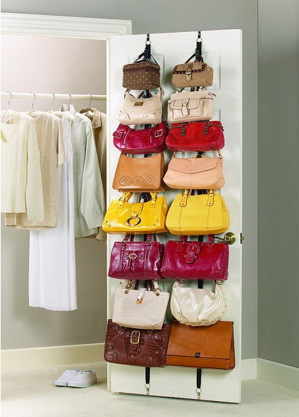 sistemare le borse nell armadio