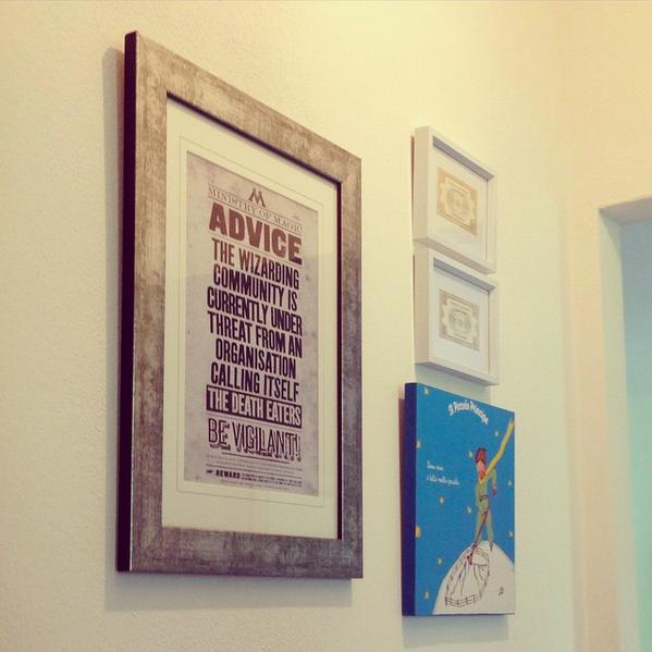 Anche sui muri di casa si nota il mio amore per i libri...